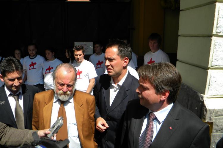 Protest UDMR in Consiliul Local: Ungurii vor sa rupa coalitia locala cu PDL - VIDEO