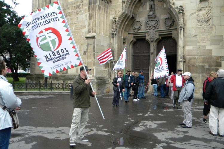 Extremistii maghiari de la Jobbik au strigat Ungaria Mare in centrul Clujului - VIDEO