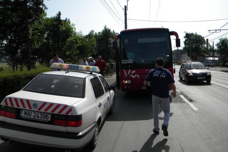 Accident pe strada Traian Vuia! O femeie a fost ranita in urma unui accident produs langa Aeroportul din Cluj - FOTO