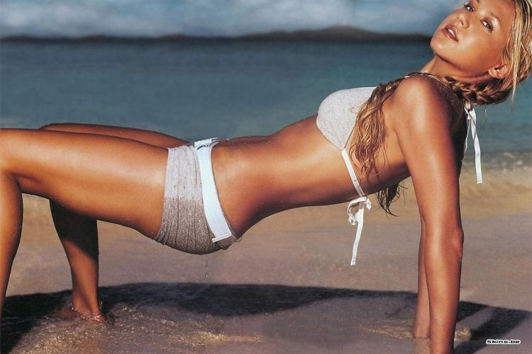 Anna Kournikova, pictorial sexy in Maxim - VIDEO