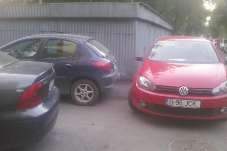 Smecheri de Cluj! O femeie insarcinata a fost la un  pas de a fi batuta dupa ce i-a ocupat unui clujean locul de parcare, nemarcat FOTO