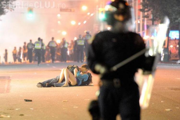 Vezi cea mai frumoasa fotografie din 2011 si afla cine sunt protagonistii FOTO