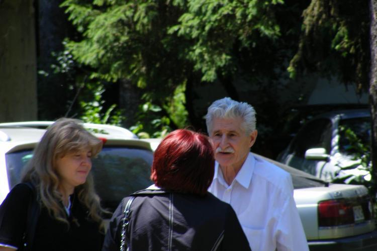 Batran de 77 de ani, bolnav de alzheimer, la un pas sa fie evacuat de Parohia Romano-Catolica Cluj - VIDEO