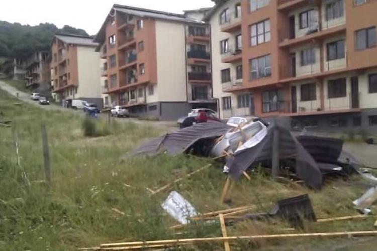 Blocurile cu acoperisurile smulse de pe strada Teilor, construite de un tepar imobiliar