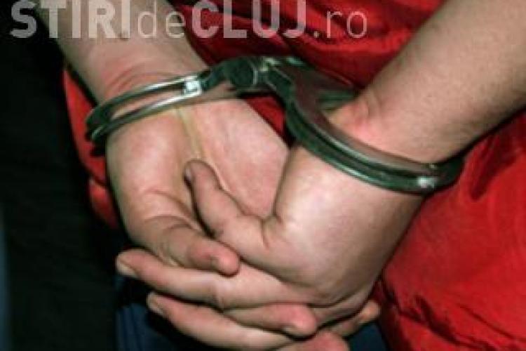 Tanar condamnat pentru tentativa de omor prins la Cluj