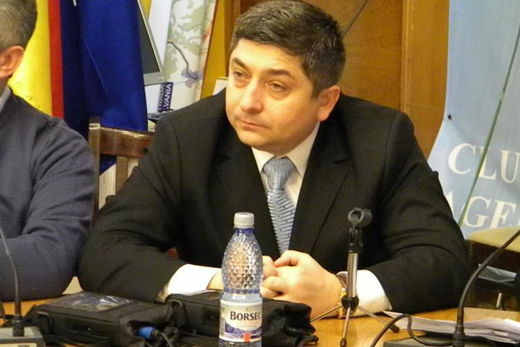"Campanie electorala? Tise s-a luptat cu PSD si PNL pentru aprobarea proiectului ""Primul ghiozdan"""