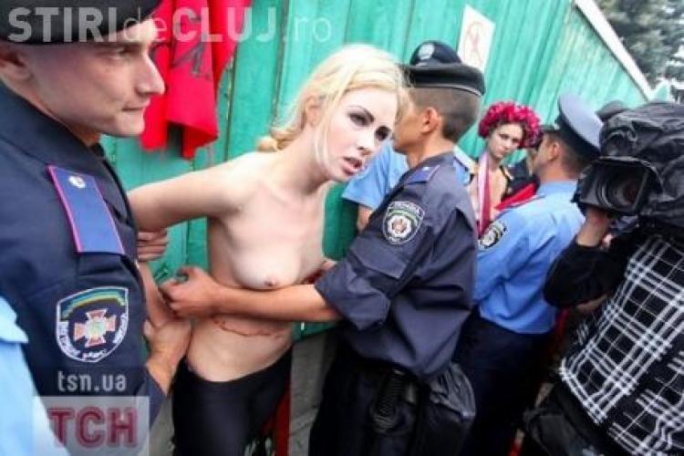 Protest in sanii goi in curtea Parlamentului, fata de reforma pensiilor - VIDEO