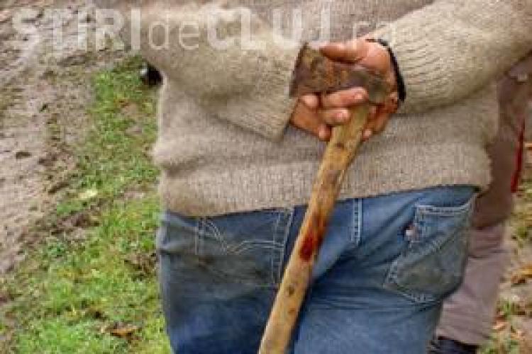 Inspectorii silvici atacati cu topoare si bate la Belis. Hotii de lemne i-au fugarit prin padure - EXCLUSIV