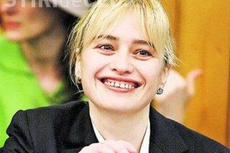 Sotia europarlamentarului Rares Niculescu, Nicoleta Postolache, acuzata ca a tepuit o firma germana cu un milion de euro