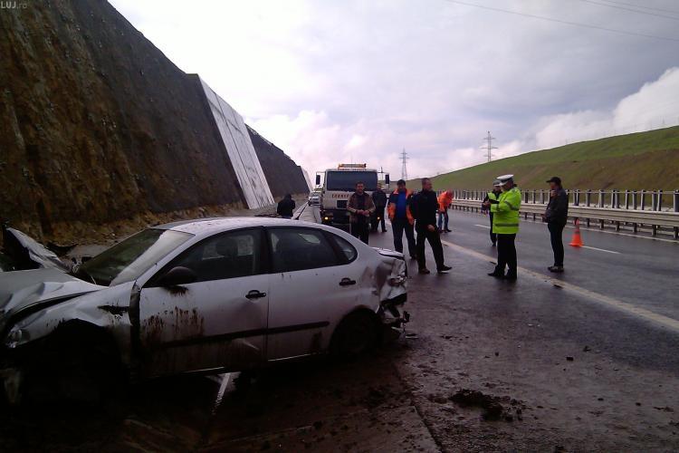 Masina rasturnata pe autostrada Transilvania! Trei persoane au fost ranite VIDEO