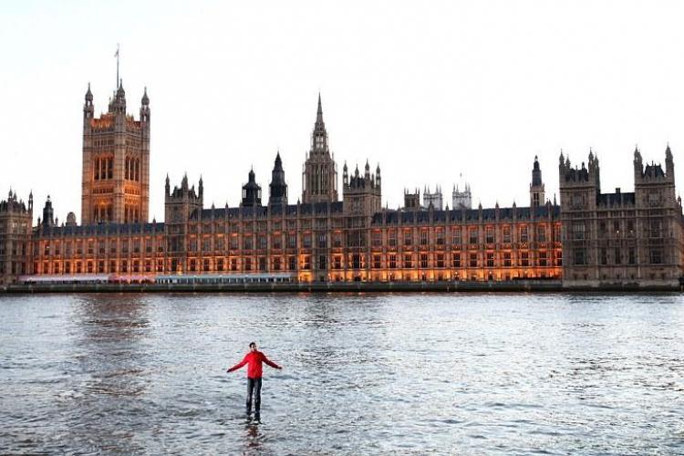 Dynamo, britanicul care umbla pe apa Tamisei VEZI FOTO