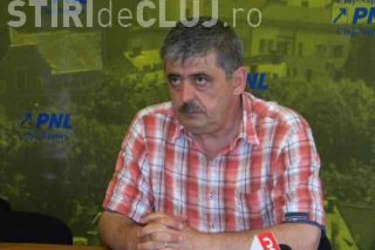 """Horea Uioreanu propune  acordarea premiului """"Foarfeca de diamant"""" pentru Emil Boc, pentru numeroasele inaugurari la care participa"""