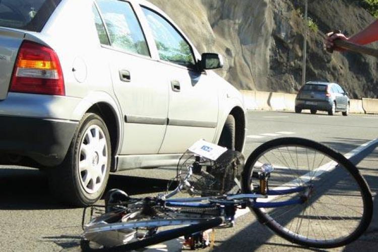Un copil de 7 ani, lasat nesupravegheat, a fost ranit grav , dupa ce a ajuns cu bicicleta pe contrasens la Somesul Cald!