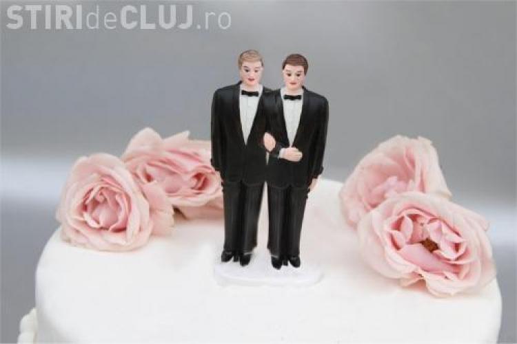 Un pas mare inainte pentru homosexuali! La  New York au avut loc primele casatorii intre persoane de acelasi sex