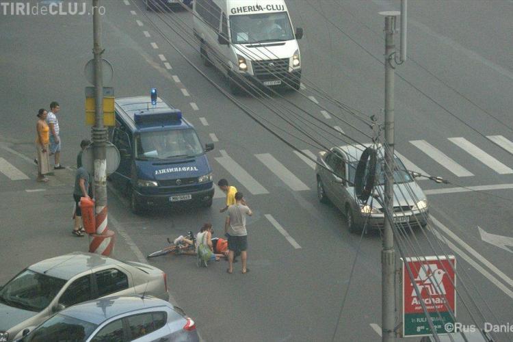 Biciclista auto-accidentata pe strada Fabricii! FOTO