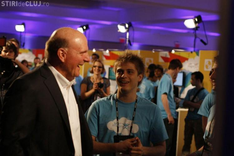 Studentii din Cluj l-au surprins pe presedintele Microsoft cu un soft medical VIDEO