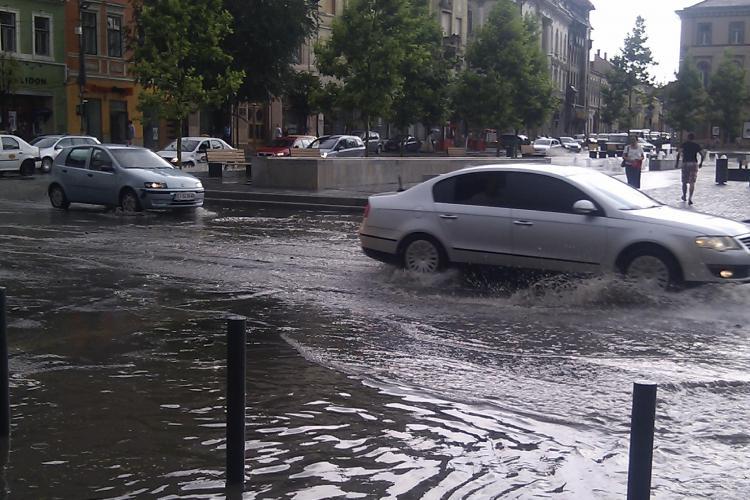 Furtuna de miercuri din Cluj-Napoca, vazuta pe YouTube VIDEO