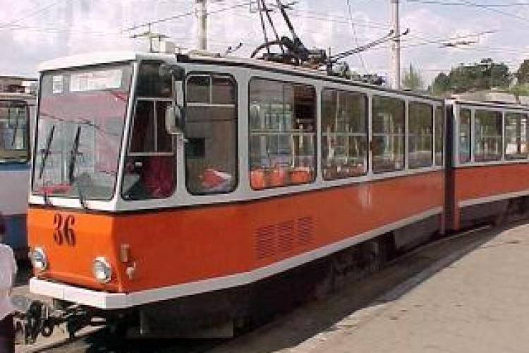Lucrari la linia de tramvai intre Podul Garibaldi si Opera Maghiara! Circulatia inchisa pe Splaiul Independentei