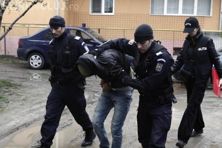 "Perchezitii la Cluj-Napoca: Mascatii au retinut mai multe persoane care dadeau ""tepe"" pe internet EXCLUSIV"