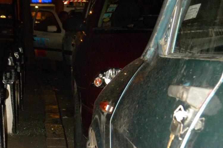 I-au spart masina pe strada Emil Zola, in timp ce langa era o Dacie cu cheile lasate in portiera FOTO