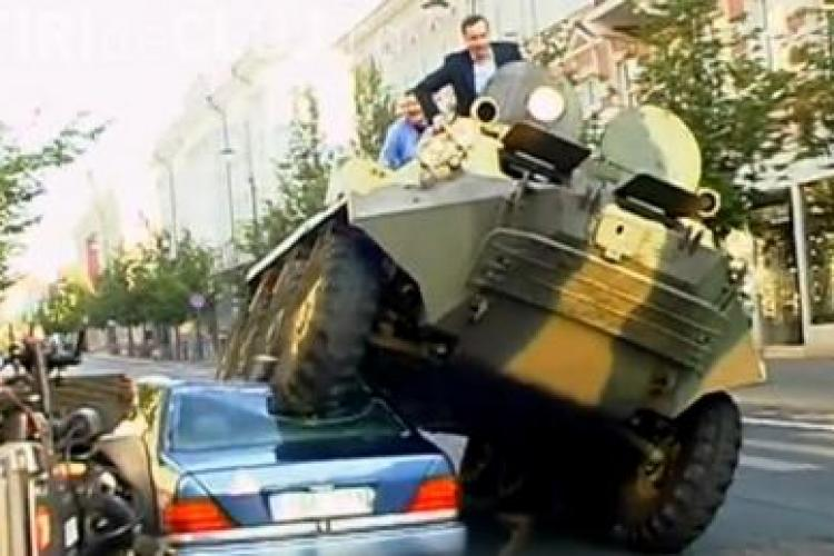 Un primar a trecut cu TAB-ul peste masinile parcate ilegal VIDEO