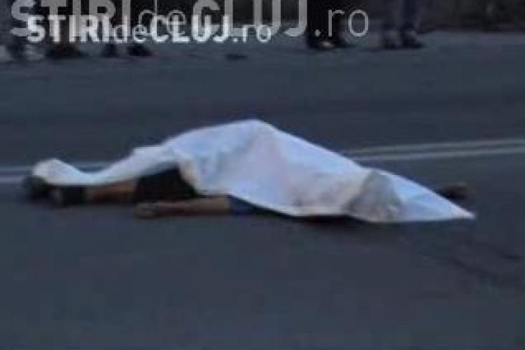 O femeie a murit  duminica seara  dupa ce a fost lovita de o masina langa Vama Cluj. Femeia a fost proiectata 10 metri VIDEO