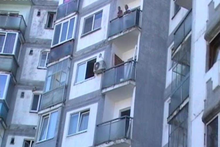 Un student din Kenya a murit dupa ce a cazut de la etajul 5 al blocului in care locuia, din cartierul clujean Manastur - VIDEO