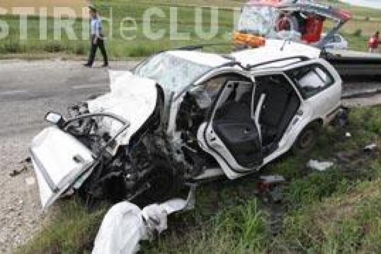 Accident la Stejeris cu cinci morti! Doua masini s-au ciocnit la iesire din Turda spre Alba Iulia