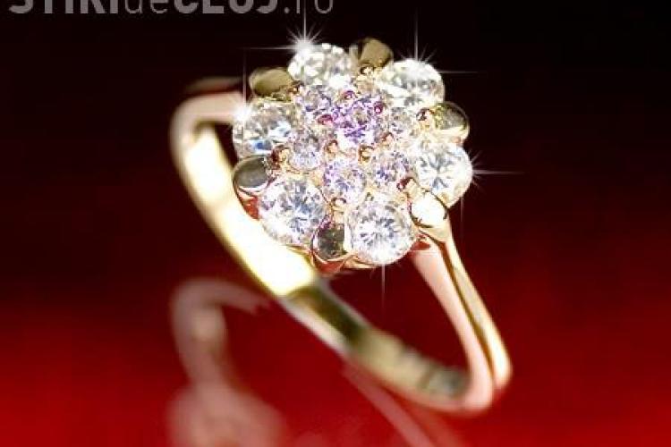 Cautati inel de logodna sau verighete speciale? La Iulius Mall, in Cluj-Napoca, gasiti acum bijuterii minunate cu diamante (P)