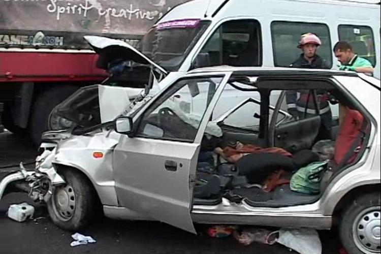 Accident mortal intre Huedin si Ciucea! O persoana a murit, iar alte doua sunt ranite grav