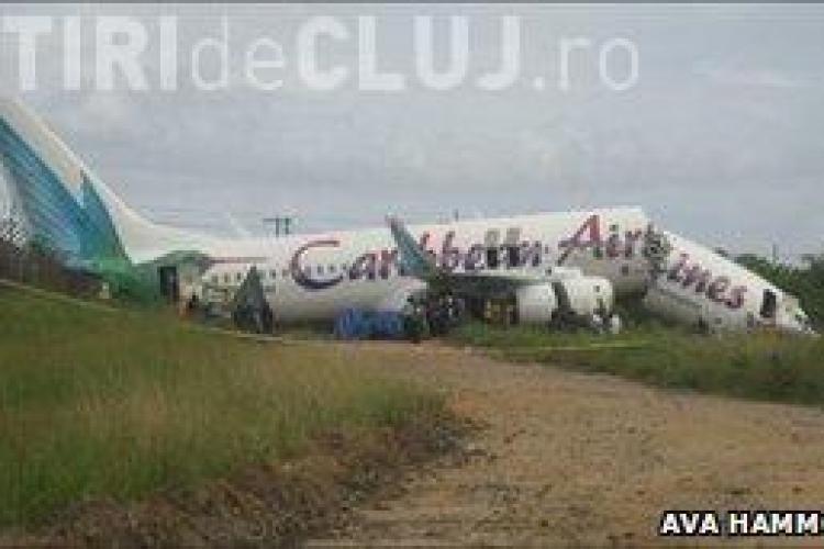 Un avion cu 163 de persoane la bord s-a rupt in doua. Nimeni nu a murit - VIDEO