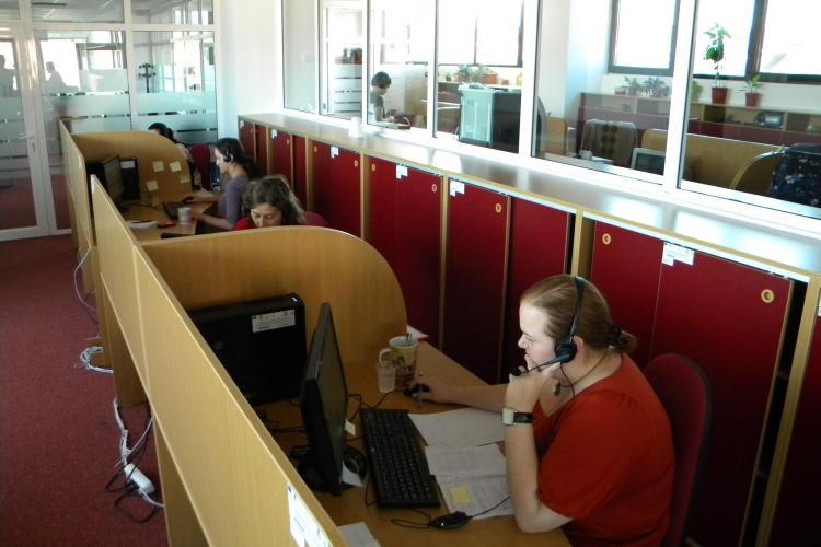 """Somerii din Cluj si Alba """"vanati"""" prin call center! Daca refuza un loc de munca isi pierd indemnizatiile VIDEO si FOTO"""