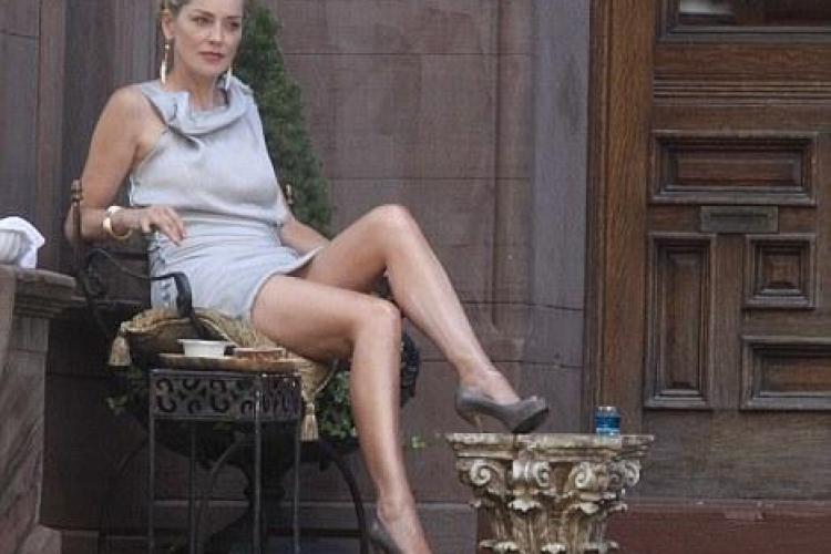 Sharon Stone reface scena fierbinte din Basic Instinct in noul ei film - VIDEO