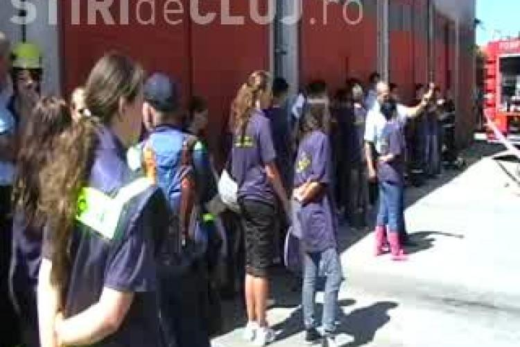 32 de copii din Romania si Germania invata tehnici de acordare a primului ajutor intr-o tabara la Muntele Baisorii - VIDEO