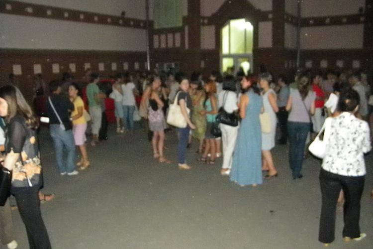 Bataie de joc la repartitia profesorilor pe posturi la Cluj! Cadrele didactice au asteptat ore in sir pentru un post VIDEO