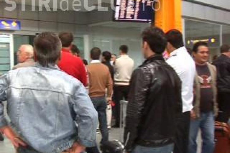 Blue Air isi bate joc de turisti pe Aeroportul din Cluj! Zborul spre Roma, de la ora 14.45, anulat fara preaviz