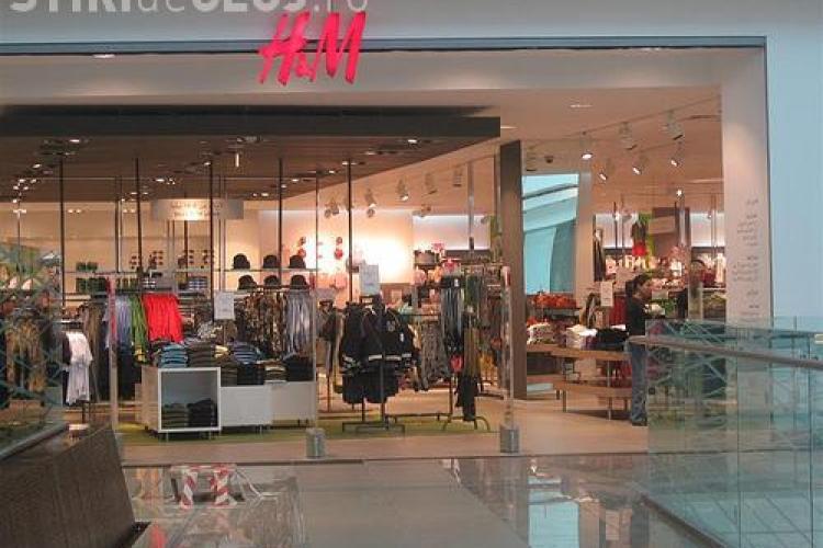 H&M in Iulius Mall Cluj! Primii 100 de cumparatori primesc un card de 80 de lei