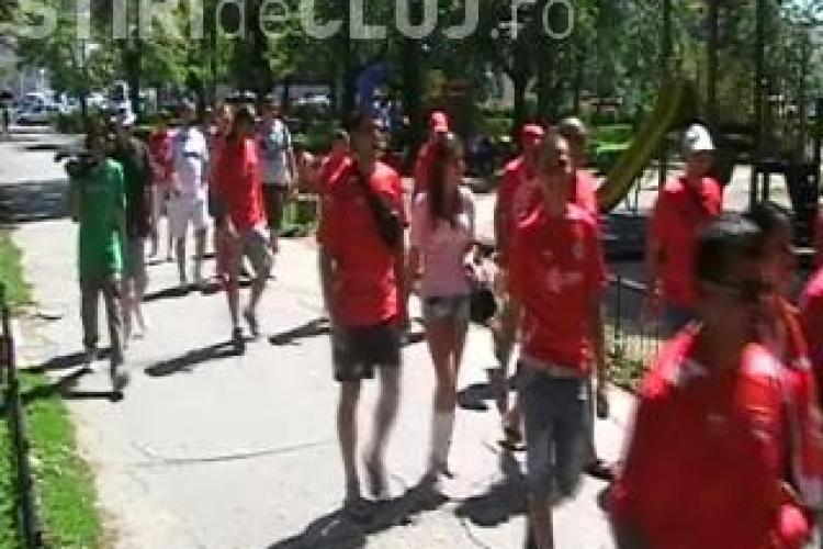 Fanii lui TSKA Sofia au facut show in centrul Clujului - VIDEO