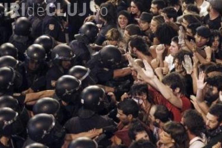 Spaniolii au protestat fata de vizita Papei Benedict al XVI-lea in Madrid