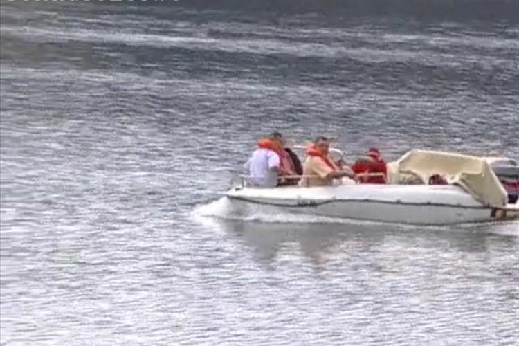 Cei trei inecati la Belis, cautati toata ziua! Este probabil sa fi fost bauti cand au traversat lacul cu barca VIDEO