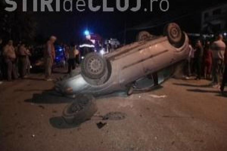 Un procuror s-a rasturnat cu masina in Huedin. Martorii spun ca era beat si a fugit de la locul accidentului