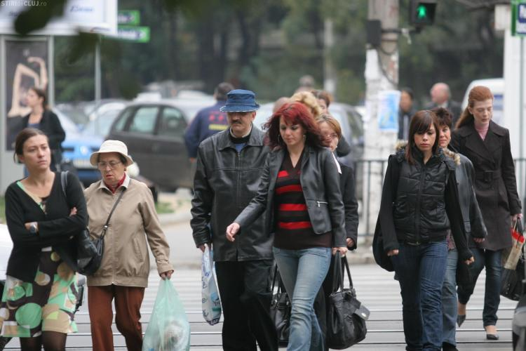 Sondaj sumbru! 40 % dintre romani raman zilnic fara bani de mancare