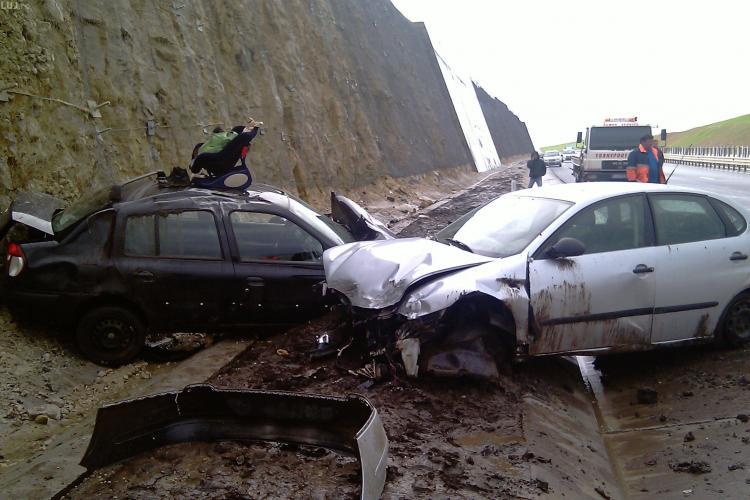 Accident pe autostrada A3! Un om a fost grav ranit si doua masini distruse! - Galerie FOTO si VIDEO