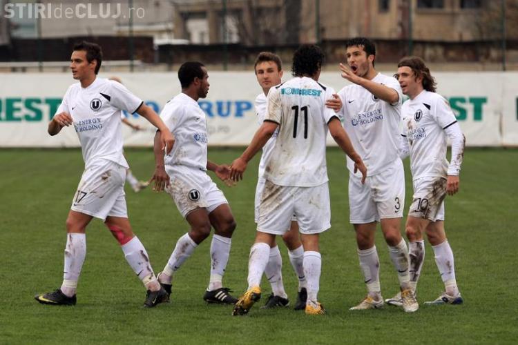 Jucatorii de la Universitatea Cluj se intorc la liceu