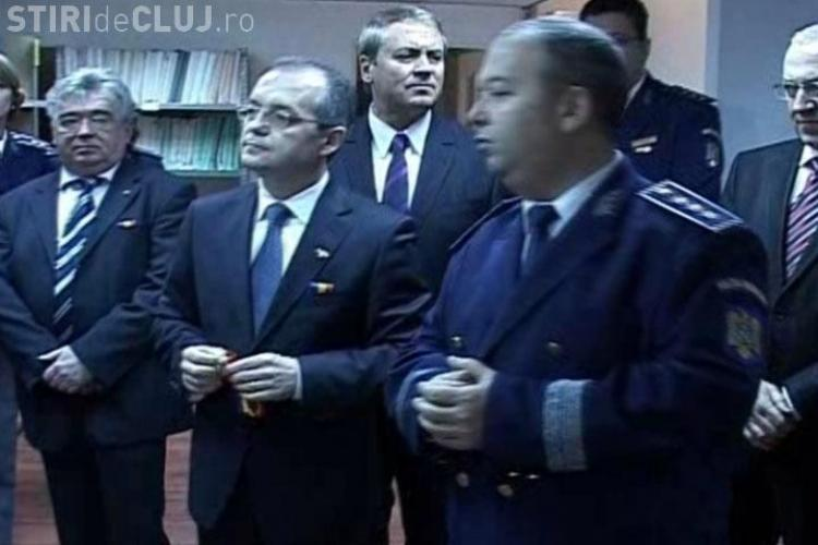 "Emil Boc ""viseaza"" sa mearga fara pasaport de la Cluj pana la marea Nordului"