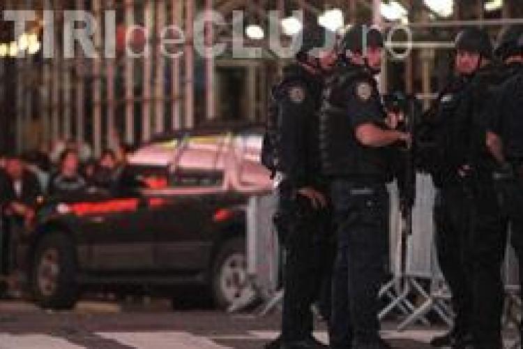 O masina cu material exploziv gasita in cea mai aglomerata piata din New York
