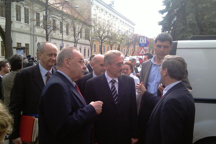 Fostul presedinte Emil Constantinescu participa la aniversarea a 90 de ani de la infiintarea primei universitati romanesti la Cluj