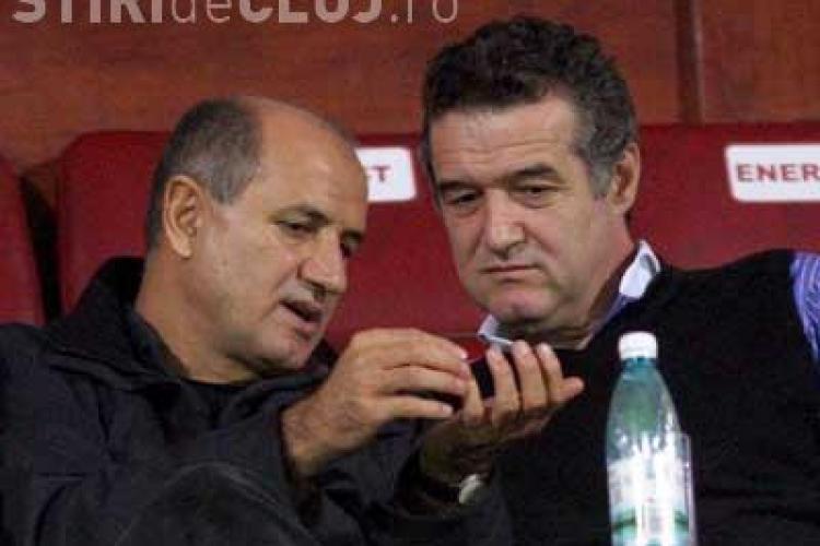 George Copos jubileaza dupa ce Rapid a umilit Steaua. Gigi Becali invoca Divinitatea si promite ca va reface echipa