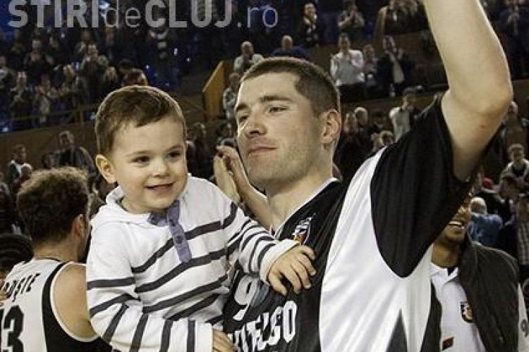 """U Cluj s-a calificat in semifinale !  """"U"""" - BC Mures 85-58"""
