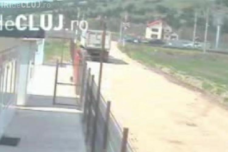 VIDEO - Accidentul de la Jucu a fost surprins in direct de camerele de supraveghere. BMW X6 avea viteza mare si a lovit AUDI -ul in plin